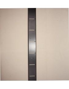 Cremallera pared metálica con las ventanas en horizontal